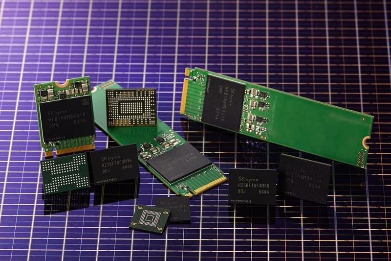 SK하이닉스가 개발한 96단 512Gbit TLC 4D 낸드플래시와 이를 기반으로 개발 중인 솔루션 제품들.(SK하이닉스 제공) © 갓잇코리아