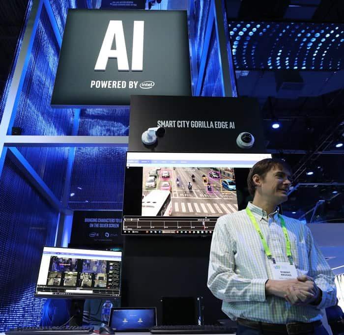 인텔 부스에 인공지능 기반 시스템이 전시 ⓒ 갓잇코리아
