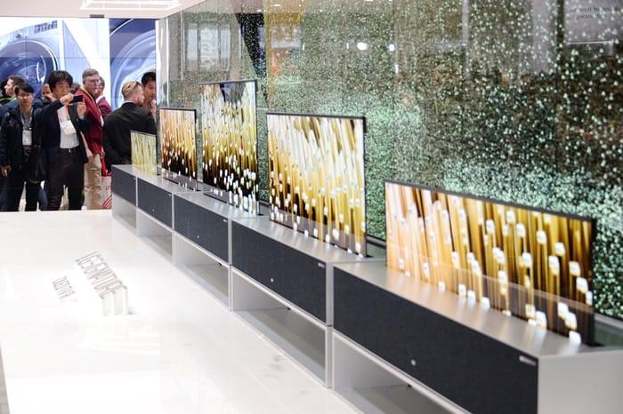 LG전자의 롤러블 올레드 제품은 CES 2019 최고의 TV에 선정되기도 했다 ⓒ 갓잇코리아
