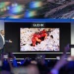'CES 2019 삼성전자 프레스 컨퍼런스'에서 미국법인 데이브 다스 상무가 98형 QLED 8K 제품을 공개 (삼성전자 제공) ⓒ 갓잇코리아