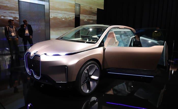 BMW 커넥티드 차량 '비전i 넥스트' ⓒ 갓잇코리아