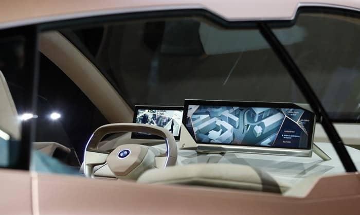 BMW 커넥티드 '운전자에게 개인 비서를' ⓒ 갓잇코리아