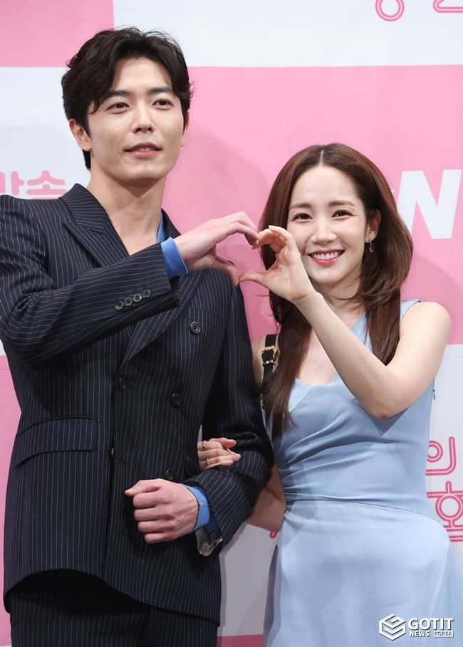 김재욱-박민영, 하트 뿅뿅 커플 ⓒ 갓잇코리아