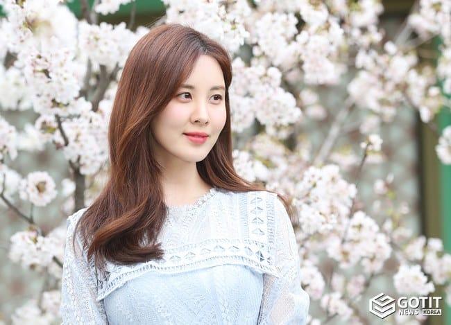 서현, 눈부신 벚꽃 여신 ⓒ 갓잇코리아