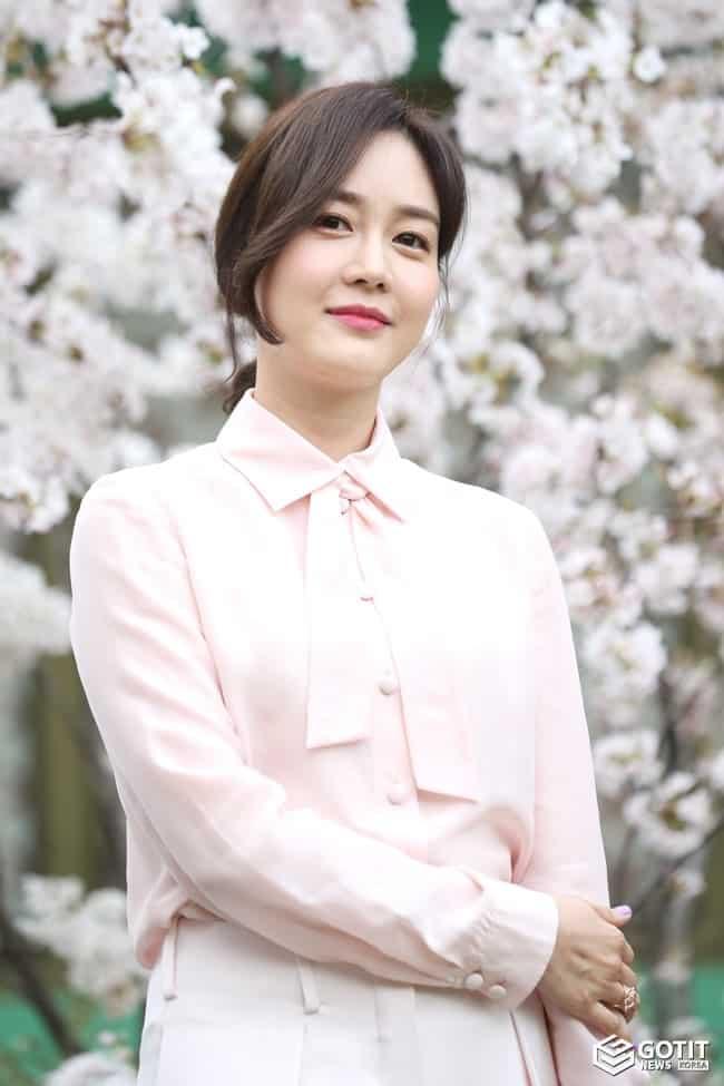 성유리, '절친' 이정현 결혼식 참석 ⓒ 갓잇코리아