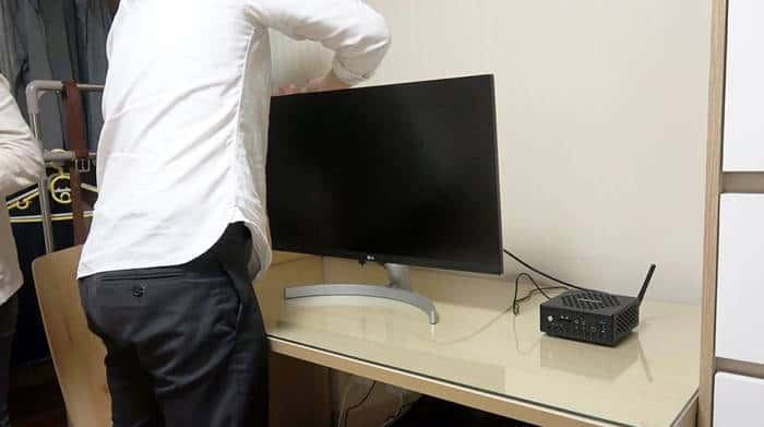스피커가 내장된 LG모니터와 MS 무선 키보드 등 완벽한 PC세트를 제공 ⓒ 갓잇코리아