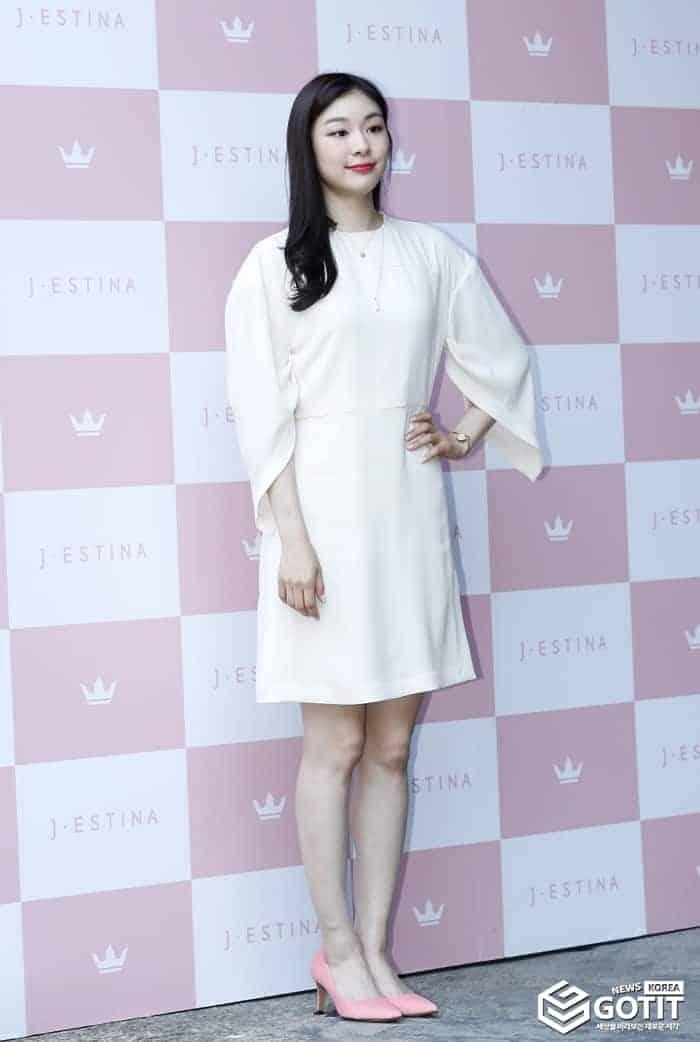 김연아, 순백의 아름다움! 포인트는 핑크 구두 ⓒ 갓잇코리아