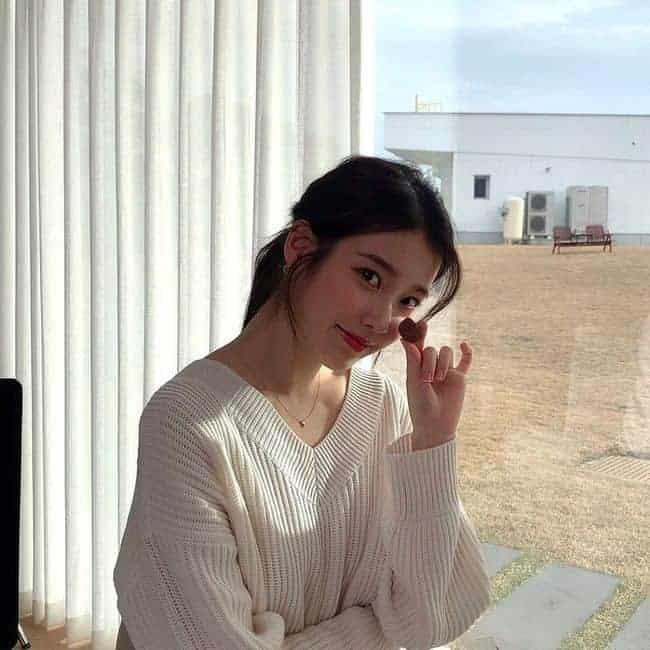 [★해시태그] '상큼+화사'...아이유 화이트데이 맞아 근황 공개
