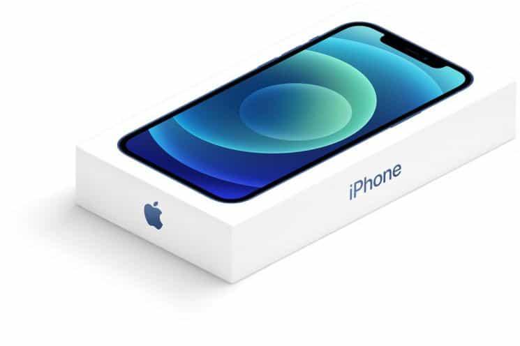 안방 강타한 '아이폰12'...충전기, 이어폰 빼도 잘팔리네! 애플의 전략일까?