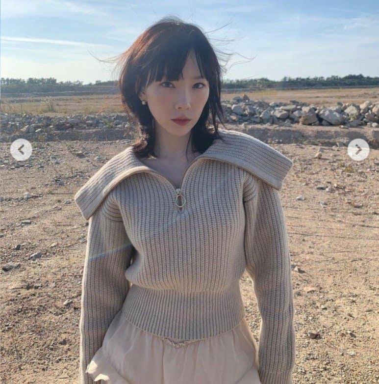 태연! 베이지 색상 패션도 좋아! / 태연 인스타그램 출처