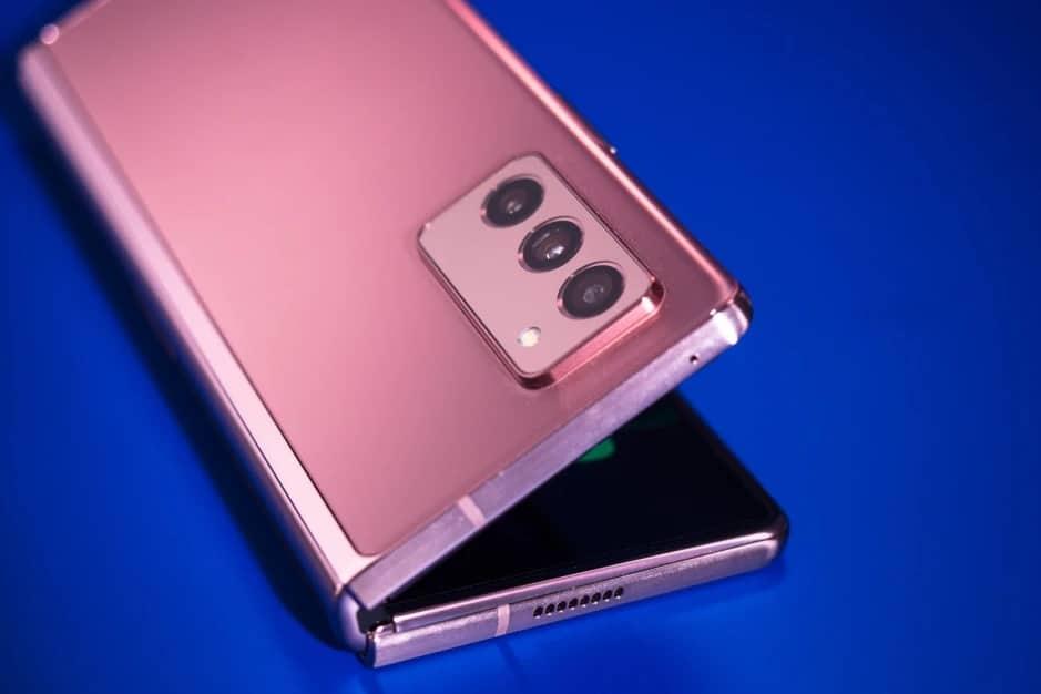 3분기 출시 예정인 삼성전자 갤럭시Z폴드3 과연 어떤 카메라가 탑재될까? - 폰아레나 출처