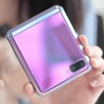 갤럭시 Z플립 단점은 접은 상태에서 외부 디스플레이가 너무 작다는 것이다