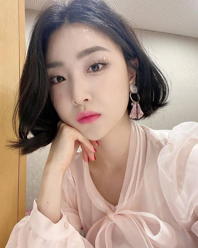브레이브 걸스에서 가장 옷을 잘 입는 멤버라 불리는 유나 - 유나 인스타그램 출처