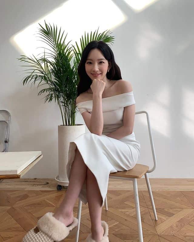 오프숄더로 드러난 청순 섹시 매력 / 태연 인스타그램 출처