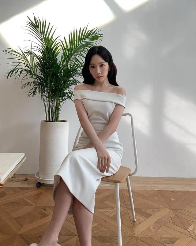 [★해시태그] 태연, 긴 머리에 화이트 드레스...고혹적인 매력