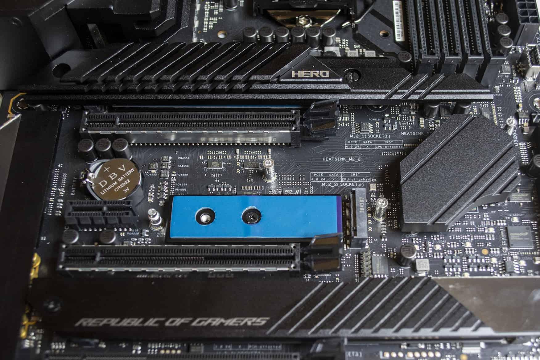 막시무스 XIII 히어로의 첫 번째 M.2 슬롯이 CPU와 직결된다