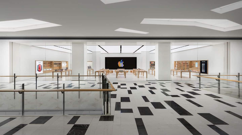 이번에 새롭게 오픈한 국내 애플스토어 2호점! 여의도 IFC몰에 입점했다