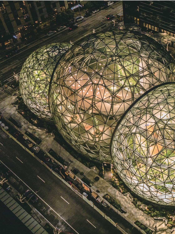 3개의 유리 돔 형태로 설계한 아마존의 신사옥