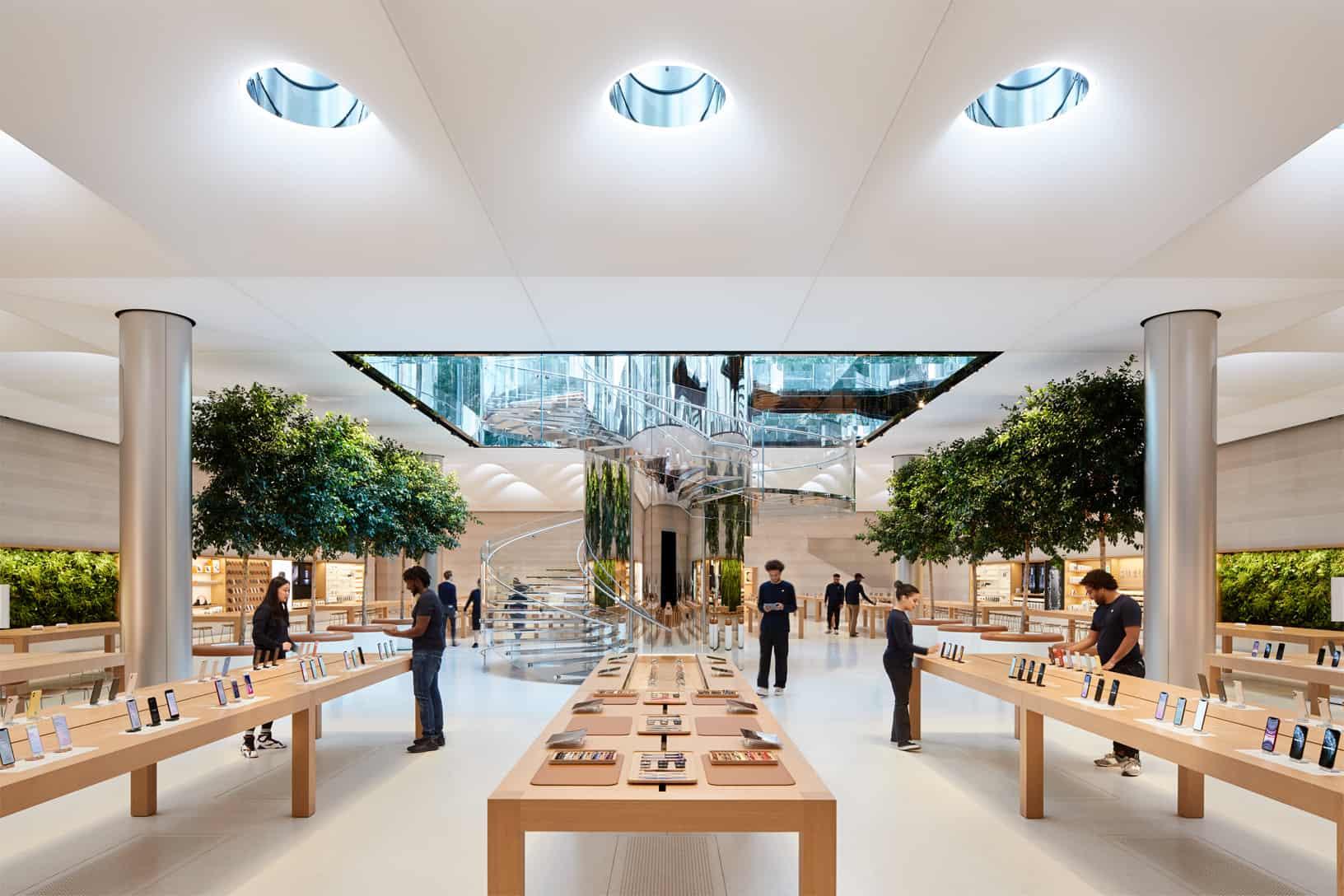 뉴욕 피프스 에비뉴 큐브 형태의 애플 스토어 / 애플 제공