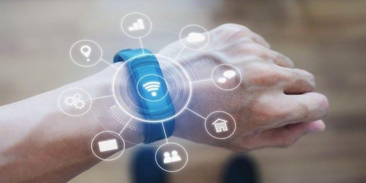 웨어러블 시장을 주도하고 있는 스마트워치 - Phocus Wire 출처 